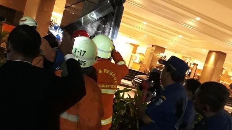 Kebakaran Pilar Kayu Hotel Aryaduta Berhasil Dipadamkan