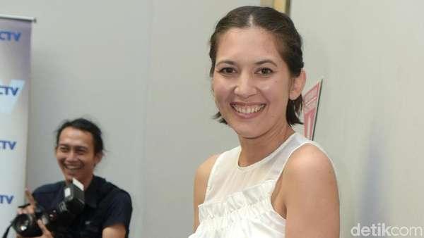 Gaya Santai Hannah Al Rasyid dan Prisia Nasution
