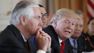 Sebelum Dipecat, Donald Trump Suruh Tillerson Makan Caesar Salad