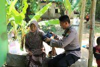 Banjir Surut, Warga Bojonegoro Mulai Bersih-bersih Rumah