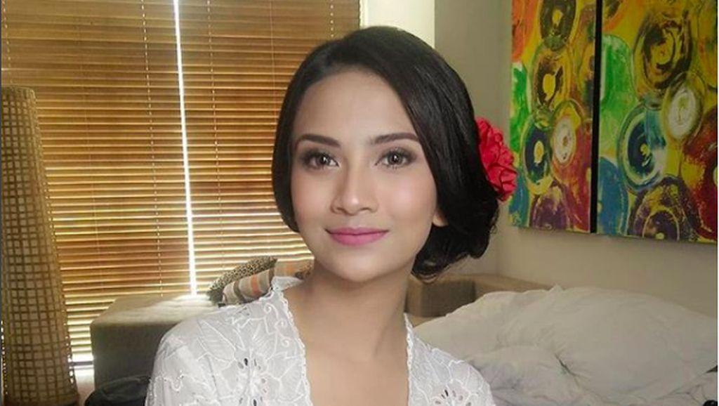 Dekat dengan Polisi, Vanessa Angel Tak Ingin Buru-buru Nikah