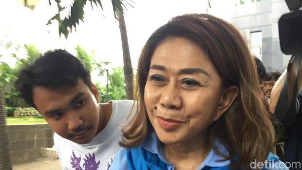 Diperiksa KPK, Aktor 'Catatan Si Boy The Series': Ngomongin Sepeda