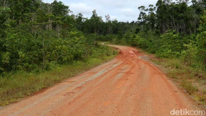 2.057 Km Jalan Trans Papua Belum Beraspal hingga 2019