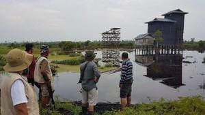 Foto: Tim Pemburu Susuri Jejak Harimau Bonita