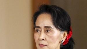 Aung San Suu Kyi Hadiri KTT ASEAN dengan Reputasi Tercoreng
