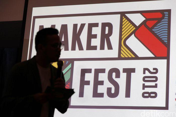 Gerakan independen yang diberi nama Maker Fest ini hadir untuk mencari, mengedukasi, menginspirasi, dan memberikan panggung offline dan online bagi para kreator lokal untuk mengembangkan ide usaha kreatif mereka, hingga bisa menjadi brand masa depan Indonesia yang mendunia.
