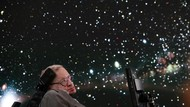 6 Hal Inspiratif Stephen Hawking Ilmuwan Peneliti Alam Semesta
