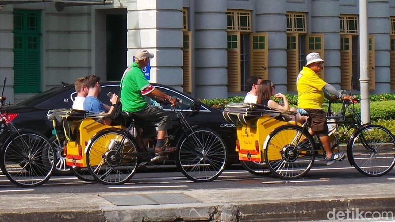 Foto: Warna-warni Becak di Singapura