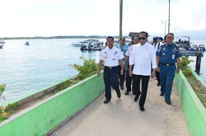 Menurut Menhub Budi Karya pelabuhan di Gili Trawangan untuk menjaga konektivitas serta memfasilitasi wisatawan yang akan berkunjung.