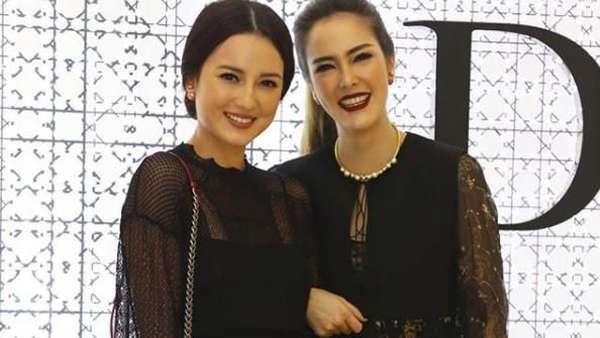 Sisterhood! Kompaknya Julie Estelle dan Cathy Sharon