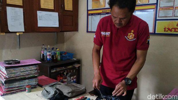 Polisi amankan barang bukti pencuri anjing