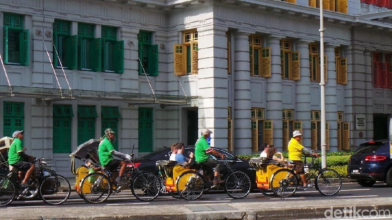 Tak Cuma Jakarta, Becak Juga Ada di Singapura Loh