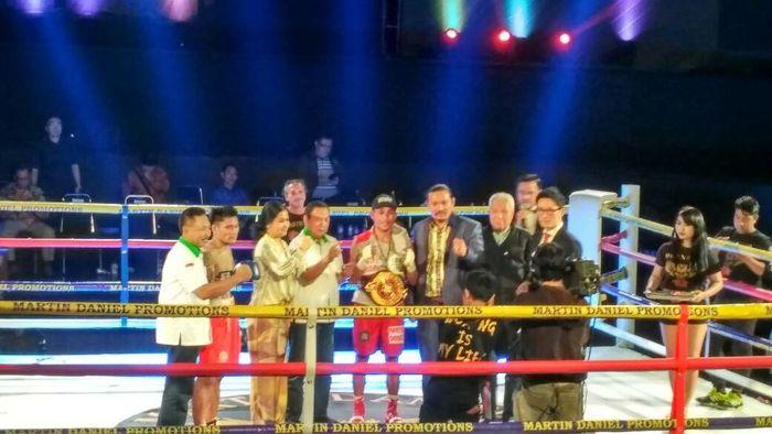 Dua petinju Indonesia Ruben Manakane dan James Mokoginta Sukses Pertahankan Gelar WBA Asia (Foto: detikSport/Mercy Raya)
