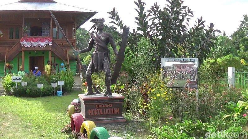 Budaya dan tarian adat di Desa Mengkang, Kecamatan Lolayan masih sangat terjaga. Di museum ini tersimpan alat-alat kuno, adat dan budaya Bolaang Mongondow (Michelle de Jonker/detikTravel)