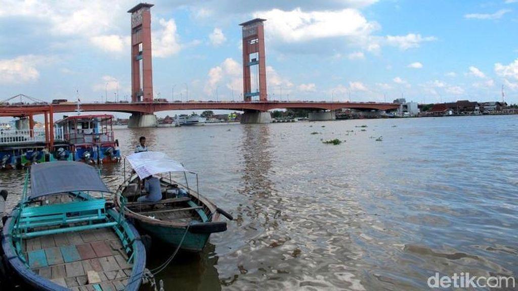 Kecelakaan Lalu Lintas di Jembatan Ampera Palembang, 1 Pemotor Tewas