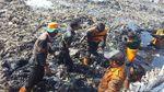Foto: Bersihkan Sampah itu Berat, Jangan Asal Buang Lagi Ya