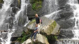 Simalungun Punya Air Terjun Cantik di Tengah Kebun Teh