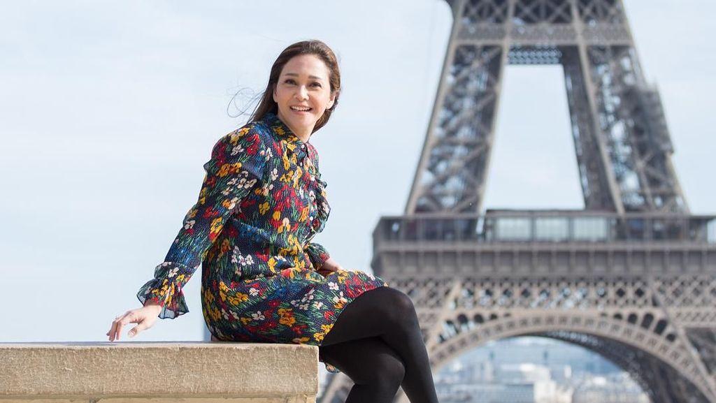 Deretan Gaya Mewah Maia Estianty Pakai Tas Ratusan Juta di Paris