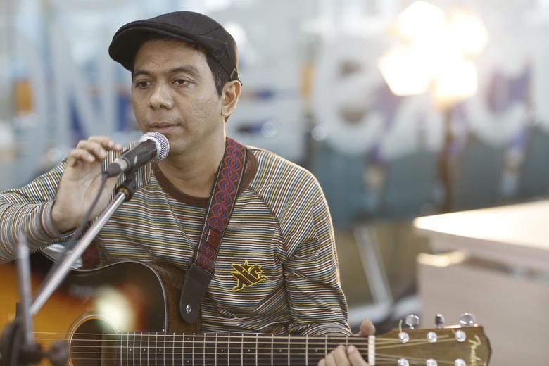 Adrian Yunan Bawakan Dua Lagu untuk Festival Seni Para Difabel di Singapura