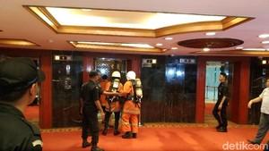 Kebakaran di Gedung DPR, Pegawai Panik dan Asap Sampai Lobi