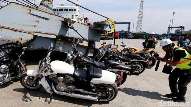 Perjalanan Bupati HST Pemilik 23 Mobil Mewah Kini Masuk Meja Hijau