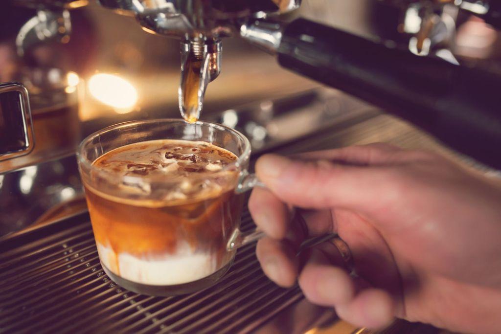 Ini 7 Racikan Kopi Bebasis Espresso yang Populer di Kafe-kafe