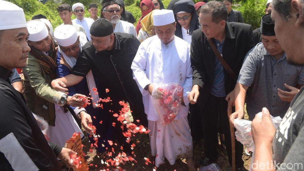 Istri Kedua Opick Meninggal, Ustaz Al Habsyi Minta Jangan Ada Cacian