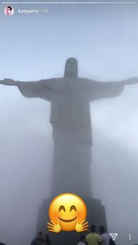 Patung Christ the Redeemer ramai turis (katyperry/Instagram)
