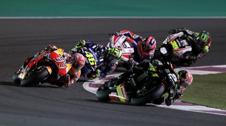 Aksi pebalap MotoGP di Qatar (Foto: Ibraheem Al Omari/Reuters)