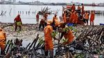 Foto: Lautan Sampah Teluk Jakarta di Hari Ketiga Pembersihan