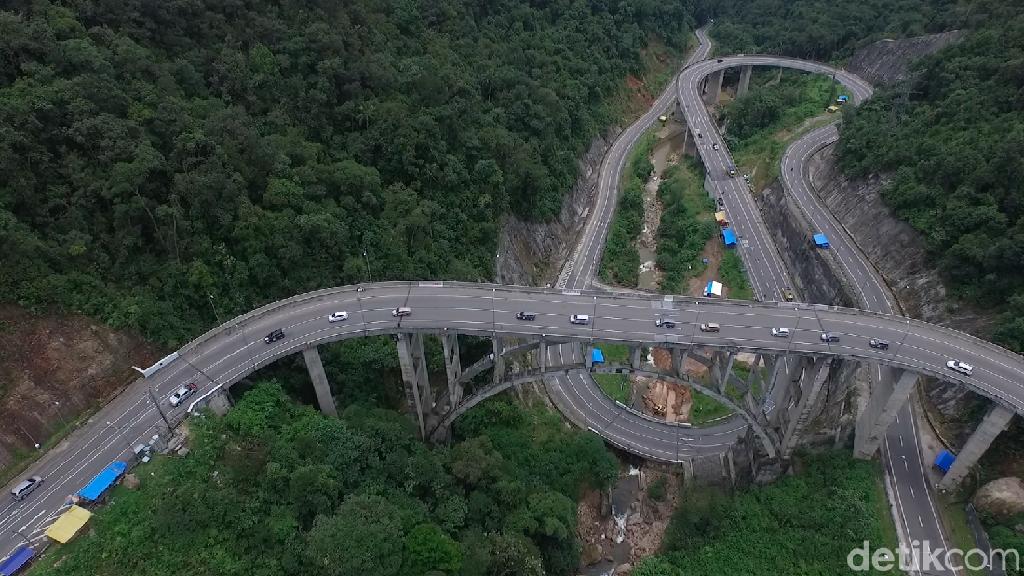Foto Drone: Megah dan Cantik, Jembatan Kelok 9