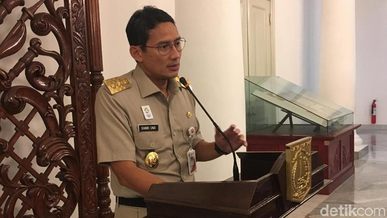 Sandi ke Anggota DPRD yang Mobilnya Diderek: Sorry Chief, Ini Aturan