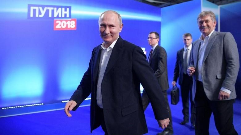 Ditanya Akan Calonkan Diri Lagi di Pilpres 2030, Putin Tertawa