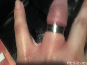 Begini Cara David Paksa Perempuan untuk Mau Dipasangi Cincin