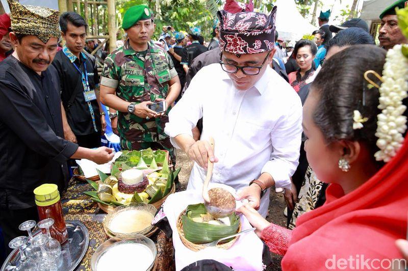 Kampung Durian adalah destinasi wisata baru di Banyuwangi. Destinasi ini diresmikan oleh Bupati Anas pada Sabtu (17/3) kemarin. (Ardian/detikTravel)