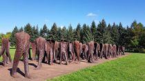 Seram, Taman di Polandia Punya 112 Patung Tanpa Kepala