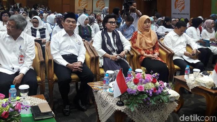 Mendikbud Muhadjir Effendy bersama Wakil Ketua KPK Basaria Pandjaitan (Foto: Marlinda Oktavia Erwanti/detikcom)