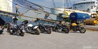 Ongkir Mobil Mewah-Moge Bupati HST ke Jakarta Rp 24 Juta