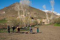Percaya Nggak Ada Danau Seindah Ini Di Pedalaman Afghanistan