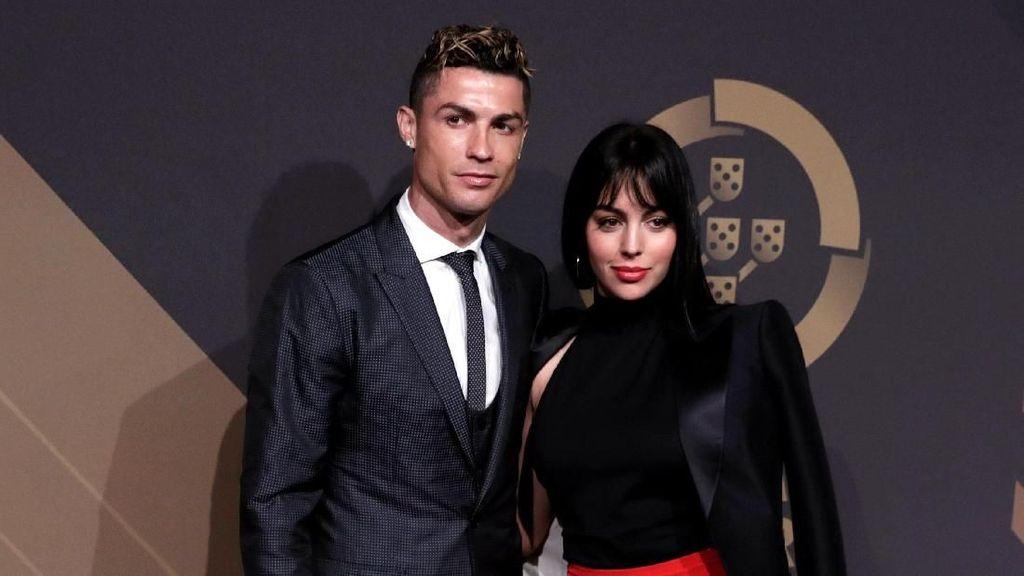 Kekasih Cristiano Ronaldo yang Suka Basah-basahan