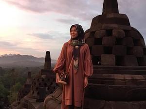 Candi Borobudur dan Si Cantik Ayana yang Mempesona