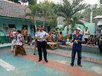 Staf lapas juga ikut meramaikan lomba adu ketangkasan bermain layang-layang. (Foto: Ardian Fanani)