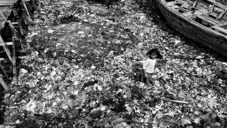 Jawara Lomba Foto Semangat Anak Indonesia dalam Bingkai Hitam Putih
