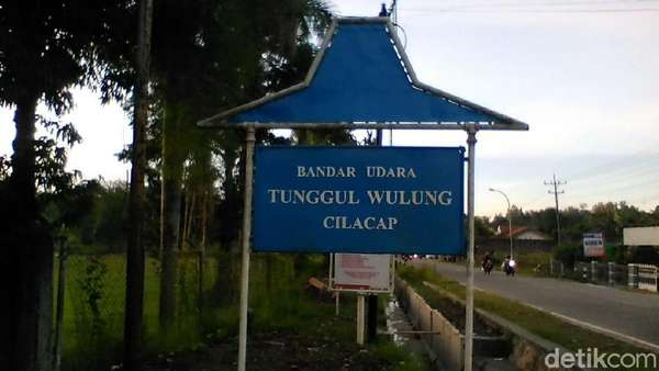 Pesawat Jatuh di Cilacap Sedang Berlatih untuk Wisuda Penerbang