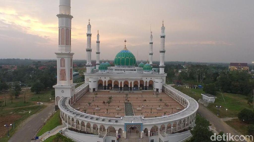 Foto Drone: Keagungan Salah Satu Masjid Terbaik se-Indonesia