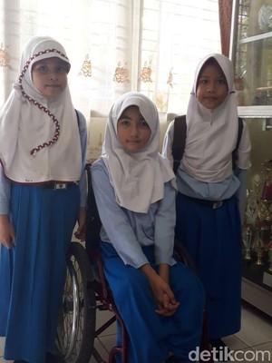 Bulan Bocah Difabel Sempat Ditolak Sejumlah SD di Pekanbaru