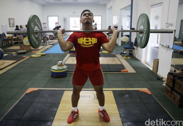Eko bisa bernapas lega dengan kepastian kelas 62 kilogram di Asian Games 2018 Jakarta dan Palembang. Atlet angkat besi 28 tahun itu hanya perlu mengembalikan staminanya setelah tumbang oleh tifus pada Februari lalu.