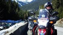 Foto: Nenek Ini Taklukkan 7 Benua Pakai Motor Trail
