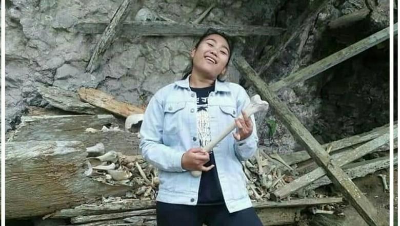 Foto pelecehan makam Toraja (@infotabedaeng/Instagram)