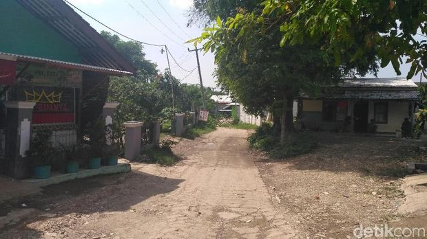 Kampung yang terjepit proyek Meikarta.